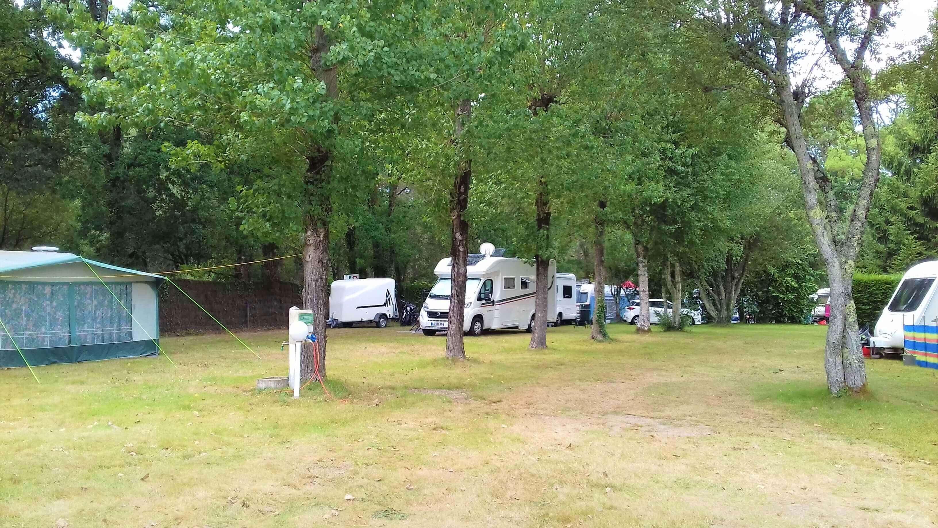 emplacement ombragé camping carnac morbihan
